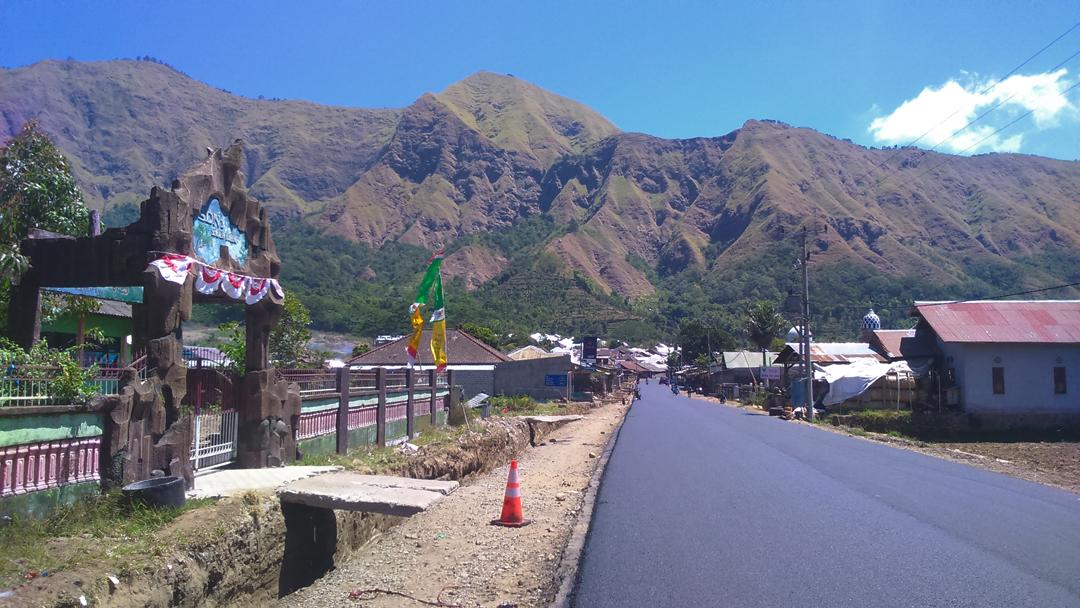 Jalan Desa Sembalun Lombok