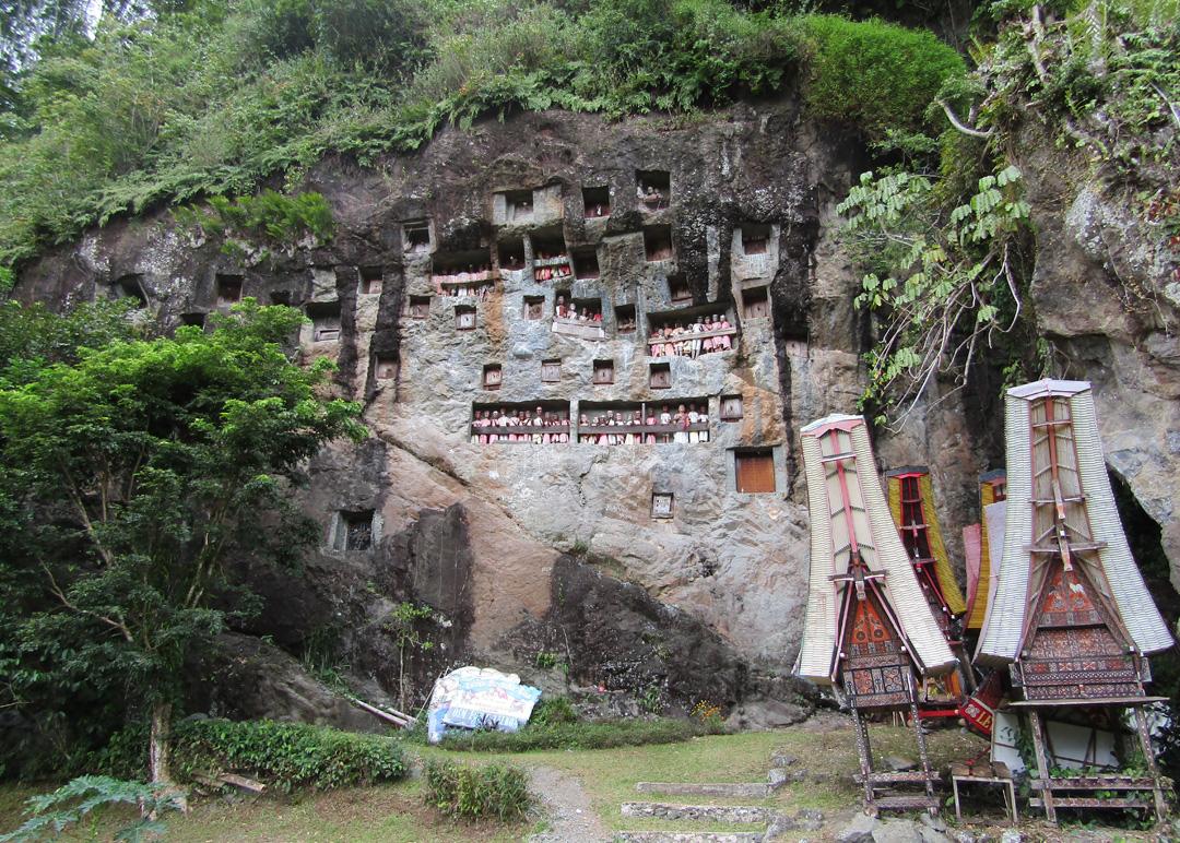 Kubur Batu Lemo Toraja